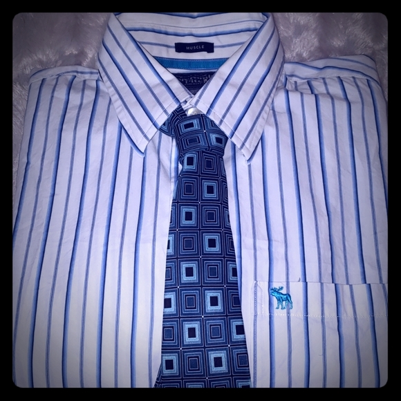 Abercrombie &Fitch,VanHeusen Other - 🏷️Mens Dress Shirt🏷️